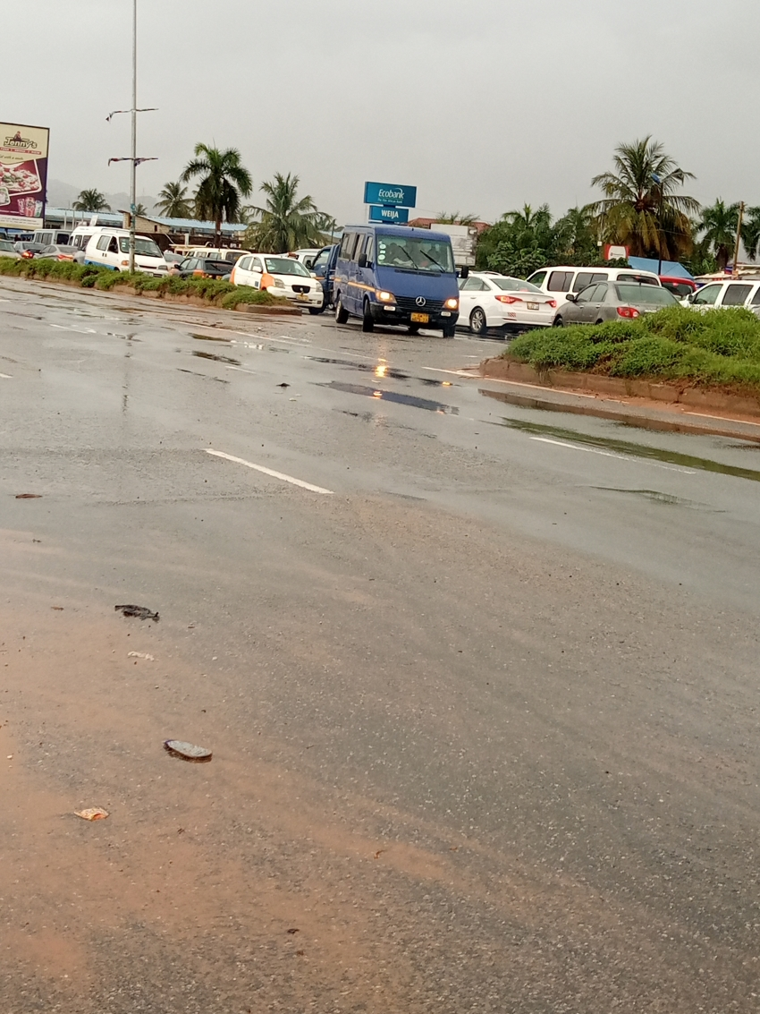 EARLY MORNING DOWNPOUR BLOCKS KASOA ROAD.
